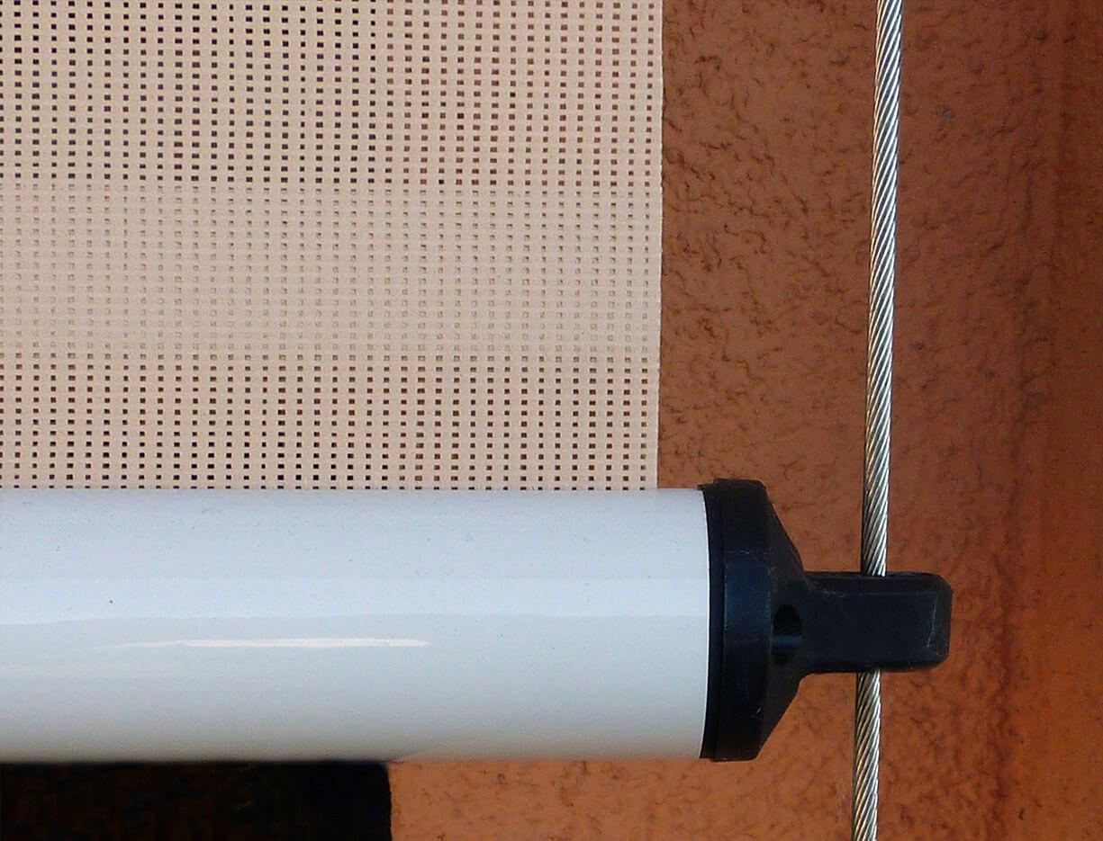ERHARDT Senkrechtmarkise mit Seilführung - Sicht von außen